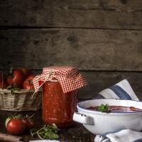 Млени розови домати с магданоз